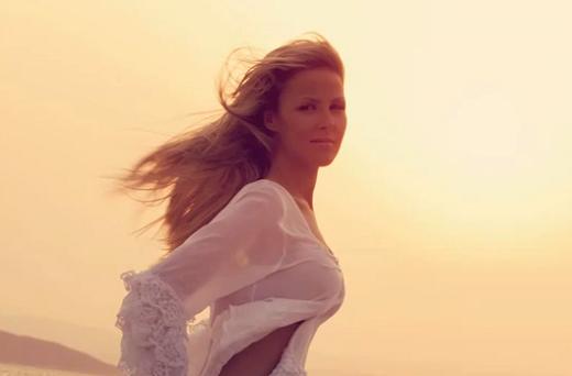 """Ακούστε το νέο τραγούδι της Φανής Δρακοπούλου με τίτλο """"Τί εννοείς"""""""