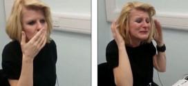 Δείτε την αντίδραση 40 χρονης κωφής που ακούει για πρώτη φορά! (video)