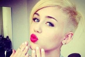 Όλο το ρεπορτάζ για την υγεία της Miley Cyrus. Δείτε γιατί μεταφέρθηκε στο νοσοκομείο!