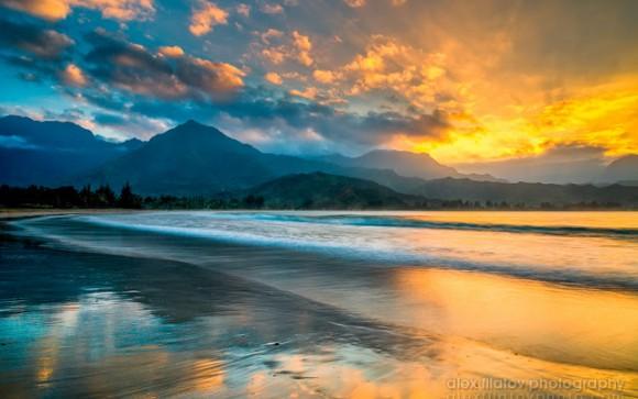 Ηλιοβασίλεμα στην Hanalei Mist   Χαβάη